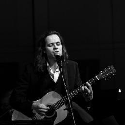 Andrew Lipke in concert